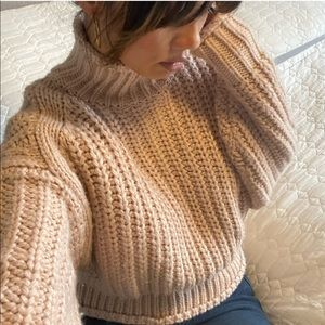 H&M Chunky Knit Cable Cropped Sweater